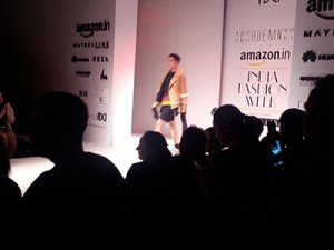 Fashion-Show-Amazon-Img3
